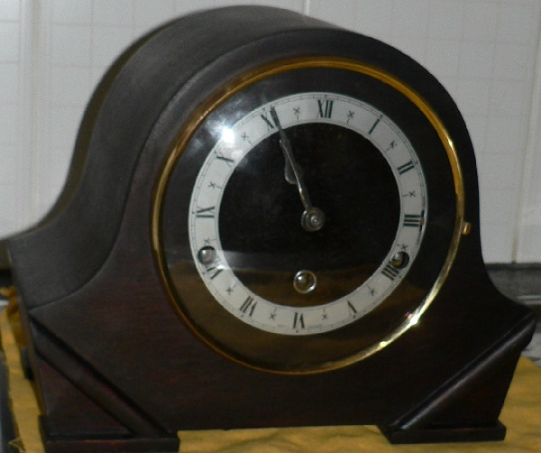 1601050 Art Deco Mantle clock