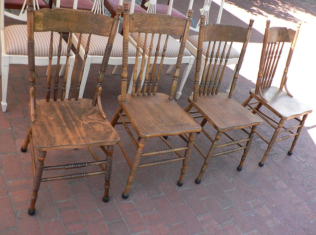 1604003 Set of 4 Featherback chairs