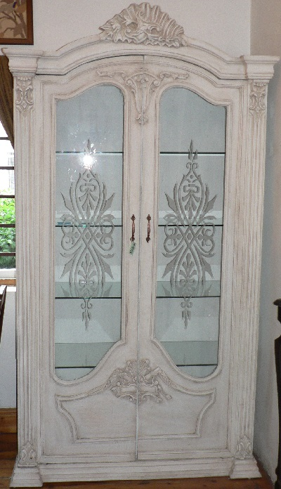 1512041 French display cabinet